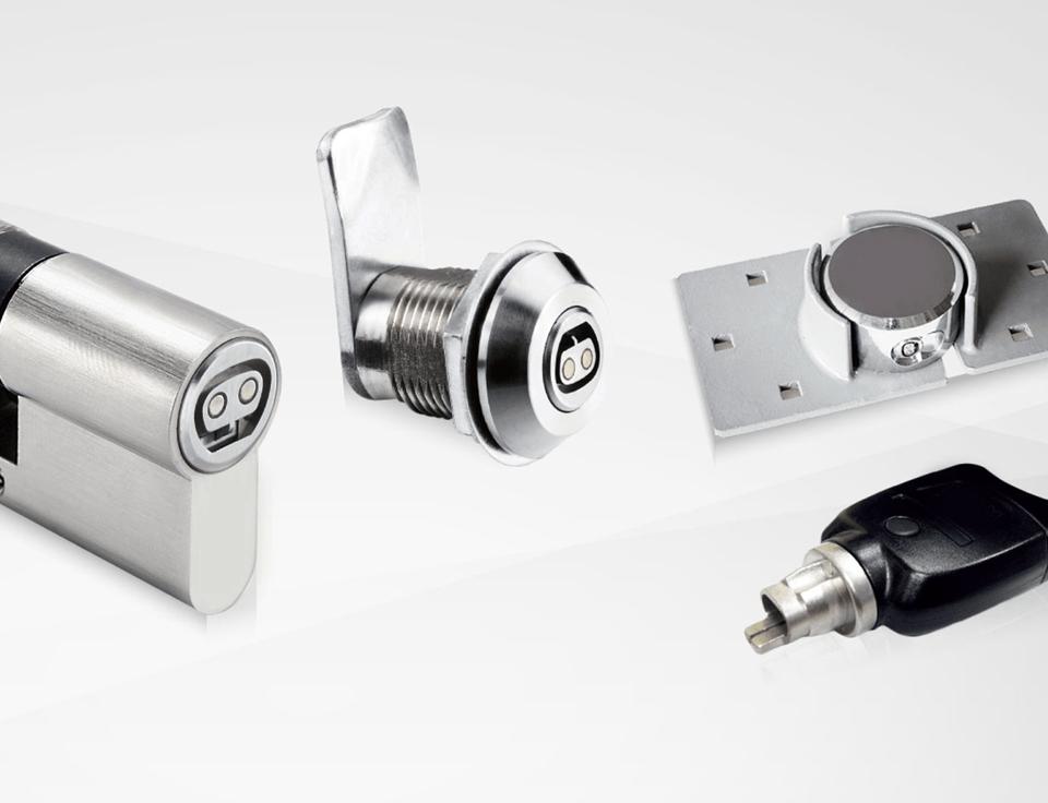 llaves electronicas 960x736 - Las llaves, cerraduras y bombines de las puertas para comunidades